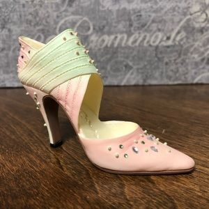 Just The Right Shoe by Raine ~ Spring Raine